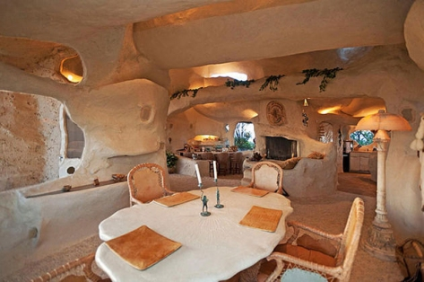 flintstone-house5